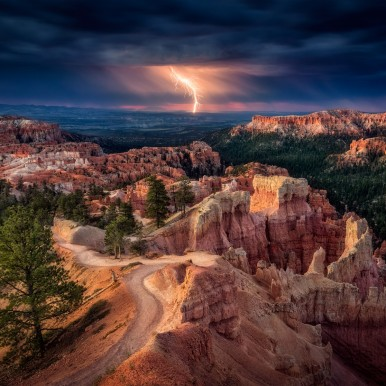 stock-photo-lightning-over-bryce-canyon-70397641 (1)b